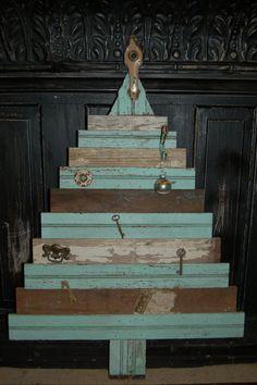 vintage wood Christmas tree deco