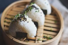 Tuna filled onigiri -nadel&gabel