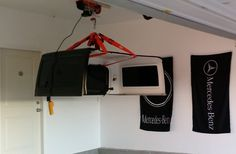 An easy way to lift and manage your Jeep Wrangler Hardtop. The installation of a Pittsburgh Automotive Electric Hoist with a remote. Jeep Wrangler Camping, Jeep Rubicon, Jeep Wrangler Jk, Jeep Jeep, Jeep Hardtop Storage, Garage Hoist, Jeep Tops, Jeep Wrangler Accessories, K5 Blazer