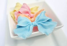 Beautiful Bow Soap Favors - Vegan Wedding Favors, Baby Shower Favors, Bridal Shower Favors - Set of 25