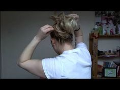 THE ULTIMATE messy bun tutorial in less than 2 minutes