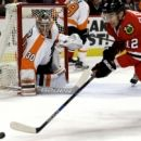 Flyers goaltender Neuvirth out 3 weeks with injury (Yahoo Sports)