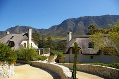 6 bedroom house for sale in Hemel En Aarde Valley. The main house and guest cottage face north, offering sweeping views of meadows, wetlands and the river. 6 Bedroom House, Real Estate Business, Maine House, Country Living, Luxury Homes, South Africa, Around The Worlds, Mountain, Cottage