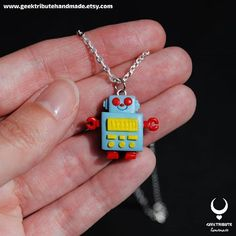New necklace available! Miki's robot from the anime Marmalade boy  Link in bio  ------------- Nuevo colgante disponible! El robot de Miki del anime Marmalade Boy (La familia crece)  Link en mi bio  . #geektributehandmade