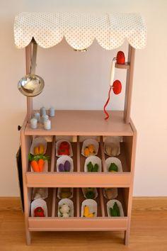 Wooden toy market (macarenabilbao.com)