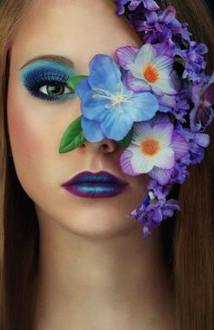 Try out the floral trend today and book your next beauty appointment at www.lookbooker.co!