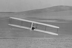 1902 Wright glider turns - Wright brothers - Wikipedia, the free encyclopedia Hermanos Wright, Wright Flyer, Wright Brothers, Amazing Adventures, Gliders, Design Model, Inventions, Aviation, Aircraft
