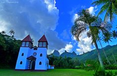 A protestant church. The arrival of both protestant and catholic missionaries in the 18th century marked the suppression of traditional Polynesian beliefs and culture. As they did in many other parts of the world, the over zealous missionaries destroyed many ancient relics and artifacts, forcing the natives to convert to Christianity. Thankfully, Polynesian culture has managed to survive. #Travel