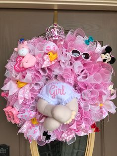 Excited to share the latest addition to my shop: It a girl baby wreath Regalo Baby Shower, Baby Shower Niño, Baby Shower Balloons, Baby Shower Gender Reveal, Baby Shower Cakes, Baby Boy Shower, Baby Shower Gifts, Baby Showers, Diaper Wreath