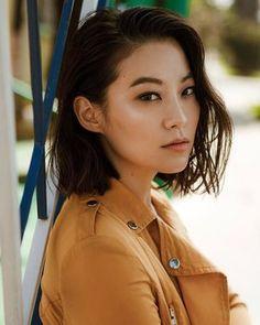 Arden Cho Source by Arden Cho, Short Hair Cuts For Teens, Short Hair Styles, Oui Ou Non, Korean American, Cut My Hair, Beautiful Asian Women, Famous Women, Celebs