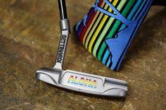 La marque Bettinardi Golf basée à Chicago fabrique des putters moulés de bonne facture, et hyper design. Les joueurs Matt Kuchar et Brian Gay jouent avec ces putters et cela leur réussi plutôt bien. Il faudra débourser entre 500 et 3000 euros pour en...