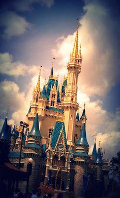 Disney World, Cinderella's Castle-  cakescraftsandkylie.blogstpot.com