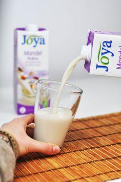 Für alle, die sich nicht zwischen einem Kokos- und einem Mandeldrink entscheiden wollen, gibt es jetzt den neuen Mandel-Kokos-Drink von Joya  –  mit dem Besten von beiden.
