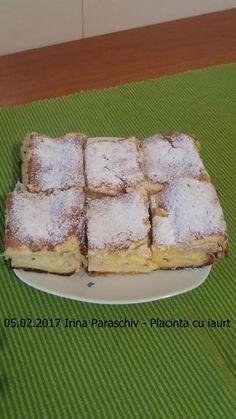 Placinta cu iaurt reteta simpla si rapida. O placinta pufoasa, vanilata si aromata, cu foi pentru placinta din comert sau facute in casa. O reteta ieftina