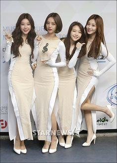 [★포토]걸스데이, '몸매 라인 강조한 의상'   Daum 연예