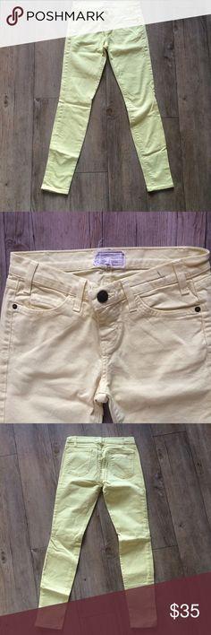 Current/Elliot Yellow Skinny Jeans Pale yellow denim, good condition. Current/Elliott Jeans Skinny