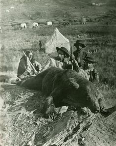 June 25, 1876 Battle of the Little Bighorn and death of Lt.Colonel George Armstrong Custer. photo Custer Expedition, 1874 Bloody Knife (guide), General Custer, Private Noonen, and Colonel Ludlow, with grizzly killed by Custer, Custer Peak, SD