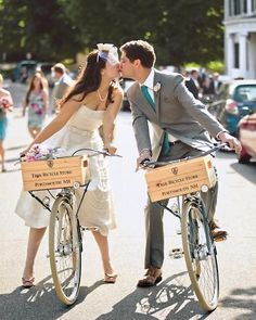 Awesome picture, AND the bikes and custom boxes are from Pete's Trek Portsmouth store!