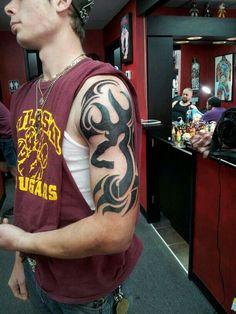 Big Browning tattoo with a tribal twist. LOVE Big Browning tattoo with a tribal twist. Tattoos Arm Mann, Body Art Tattoos, New Tattoos, Tribal Tattoos, Sleeve Tattoos, Tatoos, Flag Tattoos, Army Tattoos, Texas Tattoos
