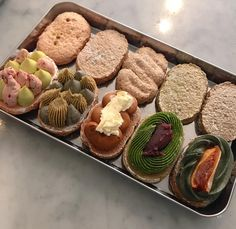 Party Food Platters, Dacquoise, Sweet Cooking, Cafe Menu, Cute Desserts, Cake Shop, Aesthetic Food, Sweet Recipes, Holiday Recipes
