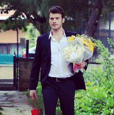 A site featuring English subtited videos of the series of Kivanc Tatlitug the star of Kurt Seyit ve Sura, Kuzey Guney, Ask-i Memnu, Gumus and Cesur ve Guzel. Park Birthday, Birthday Love, World Winner, Crush Love, Turkish Actors, Celebs, Celebrities, Wedding Men, Best Actor