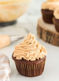 This peanut butter frosting is deliciously creamy and decadent. It is perfectly paired with your favorite chocolate cake or cupcakes! Frosting Recipes, Cupcake Recipes, Cupcake Cakes, Dessert Recipes, Cupcakes, Cookie Recipes, Easy Desserts, Delicious Desserts, Yummy Food