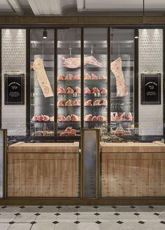 Harrods Fresh Market Hall is the second historic food hall designed by David Collins Studio at The Knightsbridge department store. Butcher Restaurant, Meat Restaurant, Restaurant Concept, Restaurant Kitchen, Restaurant Design, Shop Interior Design, Retail Design, Store Design, Carne Madurada