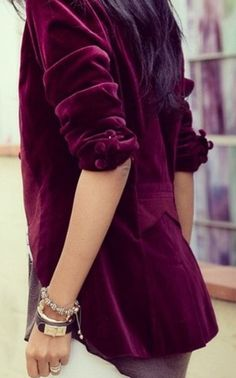 Longer fit in torso than most blazers. Burgundy velvet with a lilac fabric lining. A little more wear at elbows than the rest of jacket (normal of velvet). Mode Monochrome, Magenta, Silhouette Mode, Velvet Blazer, Red Velvet Jacket, Velvet Fashion, Hippie Chic, Autumn Winter Fashion, Burgundy