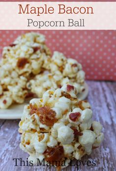 maple bacon popcorn ball final edited This delicious Maple Bacon Popcorn Ball recipe will be a hit with everyone from your littlest muncher to the biggest. Caramel Popcorn Balls Recipe, Bacon Popcorn, Popcorn Toppings, Healthy Popcorn, Homemade Popcorn, Flavored Popcorn, Gourmet Popcorn, Popcorn Recipes, Popcorn Snacks