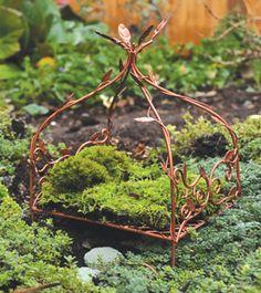 Fairy Mini Garden Furniture For Container Gardens Miniature Fairy Garden Fairy Canopy Bed Mini Fairy Garden, Fairy Garden Houses, Fairies Garden, Fairy Garden Furniture, Fairy Village, Kobold, Ideias Diy, Fairy Garden Accessories, Fairy Doors