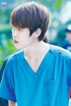 Lee sungyeol in surgeon clothes