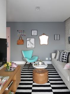 Scandinavian decoration spacious apartment of 60 m² (Photo: Divulgation) Funky Living Rooms, Living Room Interior, Home Living Room, Living Room Decor, House Colors, Decoration, House Design, Interior Design, Home Decor