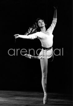 Margot Fonteyn rehearsing the Royal Ballet ' s ' Beauty and the Beast ' at The Royal Opera House , Covent Garden , London .