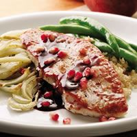 Pomegranate-Glazed Turkey with roasted fennel - Quick Fall Dinner Recipes Fall Dinner Recipes, Gluten Free Recipes For Dinner, Thanksgiving Recipes, Fall Recipes, Dinner Ideas, Thanksgiving Turkey, Christmas Recipes, Turkey Scallopini, Turkey Cutlets