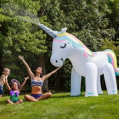 Our Ginormous Unicorn Yard Sprinkler by Big Mouth Toys will jE6rr337gcguarantee big time fun all summer long! This dreamy un872icorn-shaped sprinkler is quite the tall drink of water at an impressive 6 feet 4 inches!