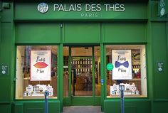 VITRINE Palais des thés - Printemps - été 2017 Collection paris for him - paris for her - création & production décor toits de paris pour les vitrines - création & production support merchandising - corner toits de paris