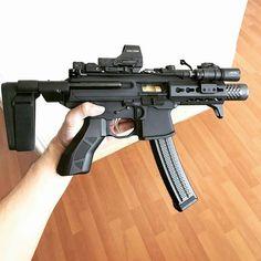 Sig Sauer MPX pistol with arm brace. Military Weapons, Weapons Guns, Airsoft Guns, Guns And Ammo, Ar Pistol, Submachine Gun, Custom Guns, Cool Guns, Assault Rifle