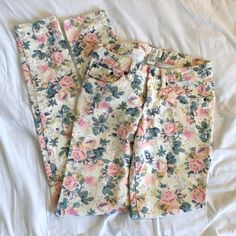 Heritage 1981 Floral Print Jeans / Pants Heritage 1981 Floral Jeans/Pants! These have only been worn once! Heritage 1981 Pants Skinny
