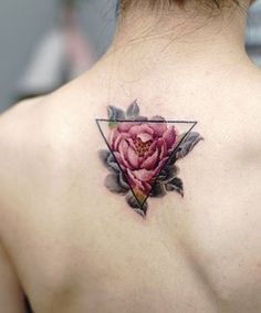 New Super Hot Flower Tattoo Design on Back for Women