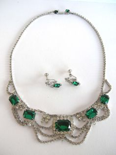 vintage emerald chocker and earrings | Emerald green rhinestone vintage costume jewelry necklace and earring ...