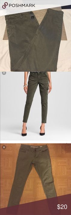 Olive green Moto jeggings new with tags Olive green moto jeggings new with tags, has side cargo pocket. Mossimo Supply Co Jeans Ankle & Cropped