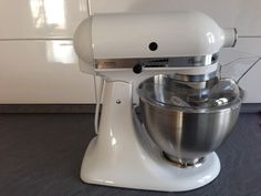 Quarter To Pie – Cakes, Pies, Cupcakes and desserts – German Style Kitchen Aid Mixer, Kitchen Appliances, Pie Cake, Diy Kitchen Appliances, Cake, Home Appliances, Domestic Appliances