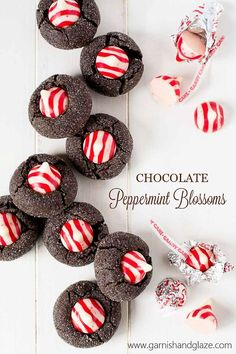 Chocolate Peppermint Blossoms have a soft rich dark chocolate cookie base and are topped with a sweet peppermint kiss. They'll be the most beautiful cookie on your Christmas plate this year! New Year's Desserts, Christmas Desserts, Christmas Treats, Holiday Treats, Dessert Recipes, Easy Holiday Cookies, Quick Cookies, Easy Holiday Desserts, Crazy Cookies