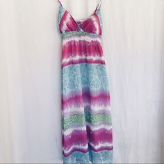 ✨Summer Dress✨ Super cool! Super pretty! No flaws! Padded Top! Price is Negotiable! Dresses Maxi