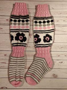 Adidas, Knitting, Fashion, Paint, Knitting Socks, Moda, Tricot, Fashion Styles, Breien