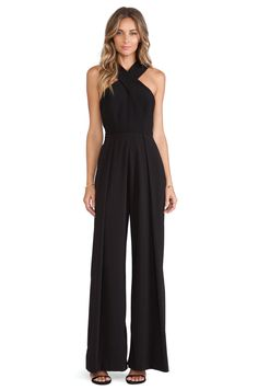 50 Sleek and Sexy Examples Of JumpSuit Trend Successfully Worn - Best Cute Outfit ideas Look Fashion, Fashion Outfits, Fashion Trends, Fashion Women, Mode Top, Black Jumpsuit, Elegant Jumpsuit, Jumpsuit Style, Fitted Jumpsuit