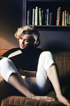 #MarilynMonroe  She is so perfect.