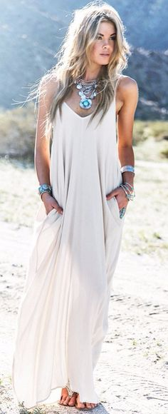 bohemian loose maxi dress with metal accessories #omgoutfitideas #fashionblog #styleoftheday
