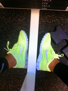 neon nike!!! Freeruns2 com site full nike shoes and nike free womens for half off