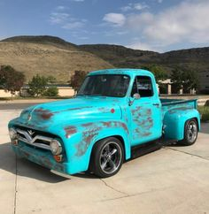 Just don't make them like the old days Vintage Pickup Trucks, Classic Pickup Trucks, Old Pickup, Old Ford Trucks, 1956 Ford F100, Ford Maverick, Truck Art, Old Fords, The Old Days